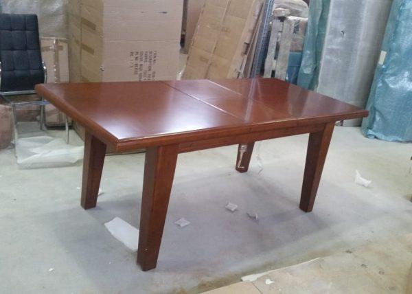 Деревянный обеденный стол модель GOODWIN